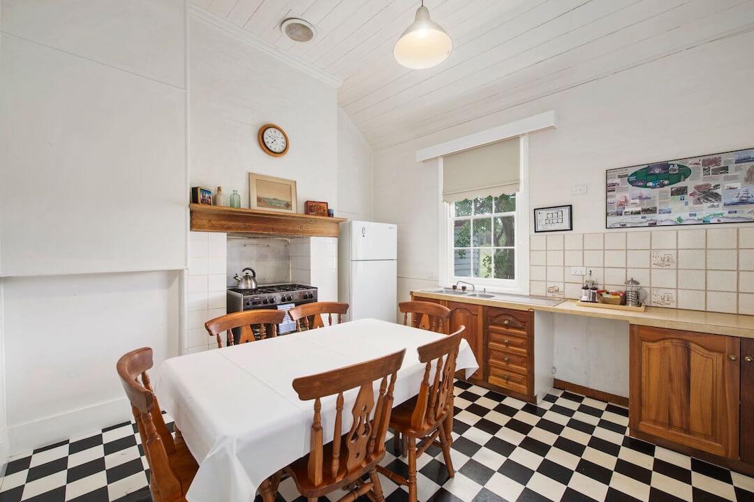 Lightkeepers Cottage - Kitchen