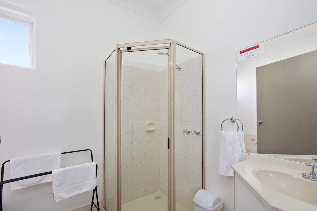 Lodge - Bathroom